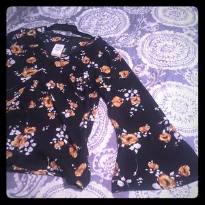 NWT TORRID size 0 black and yellow floral blouse.